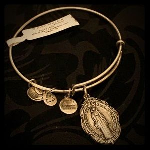 "NWT, Alex and Ani, ""Mother Mary"", Bracelet!"